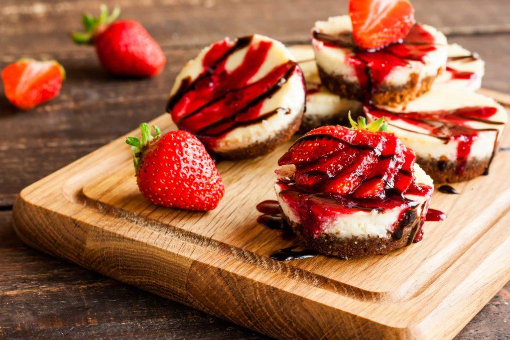 mini-cheesecake-cioccolato-e-fragole