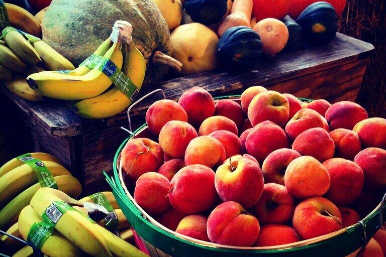 red-apples-in-brown-wooden-bucket-220911 (1) (1)